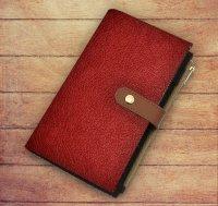 Ежедневник-органайзер (красный) (искусств. кожа, обложка на заклепке, сменный внутренний блок, отделение под карты и ручку)